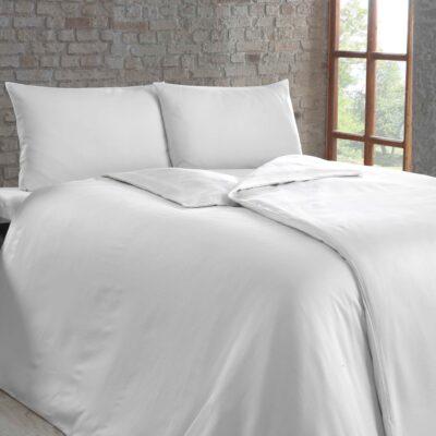 Hotelbettwäsche in weiß 80x80-140x210 Kaus 2mm Feinstreifen
